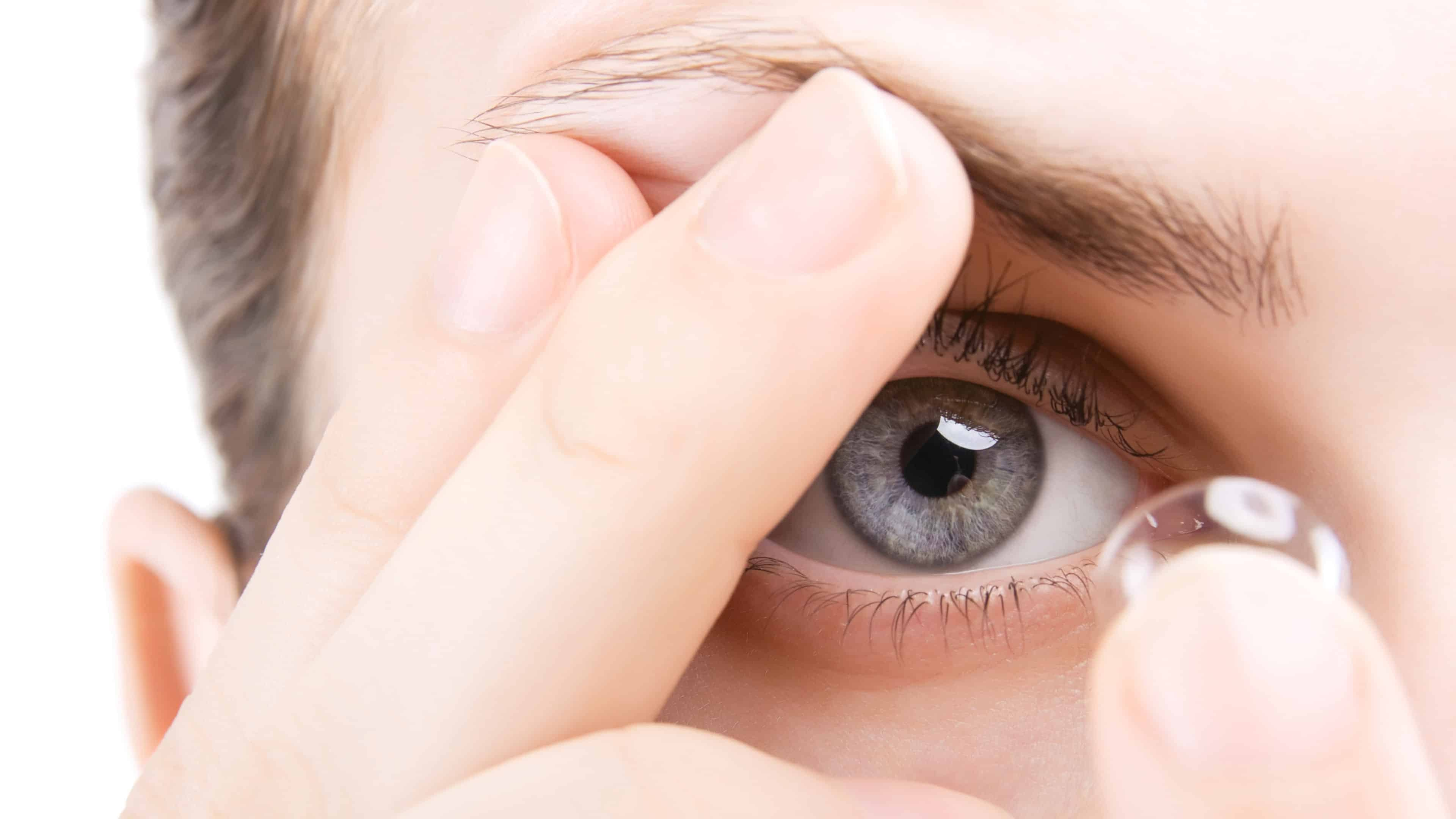 Blog image of contact lenses
